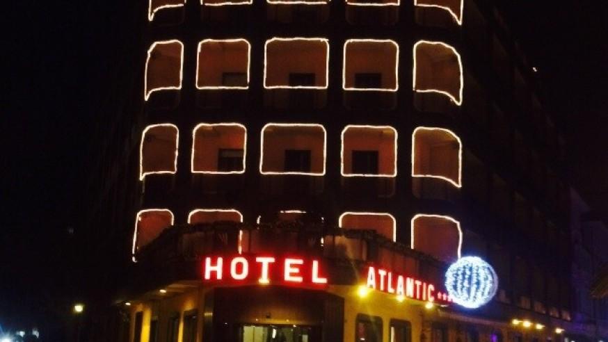 HOTEL + CENONE in CENTRO AD ARONA