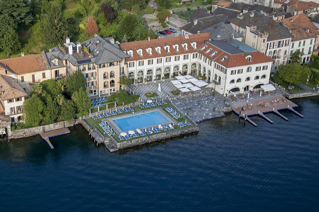 Capodanno hotel san rocco cenone e ballo sul lago d 39 orta for Designhotel lago maggiore